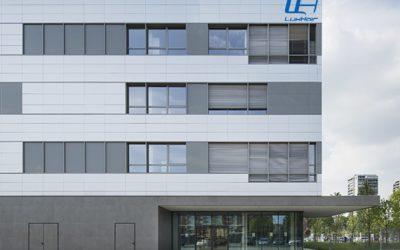 Luxhair, primer fabricante español de productos para el cuidado de prótesis capilares, pelucas y extensiones